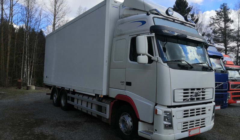 Volvo FH 440 6×2 box truck 2007 full